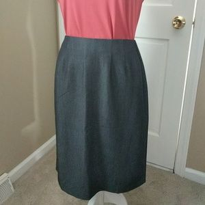 New York & Co gray pencil skirt; EUC